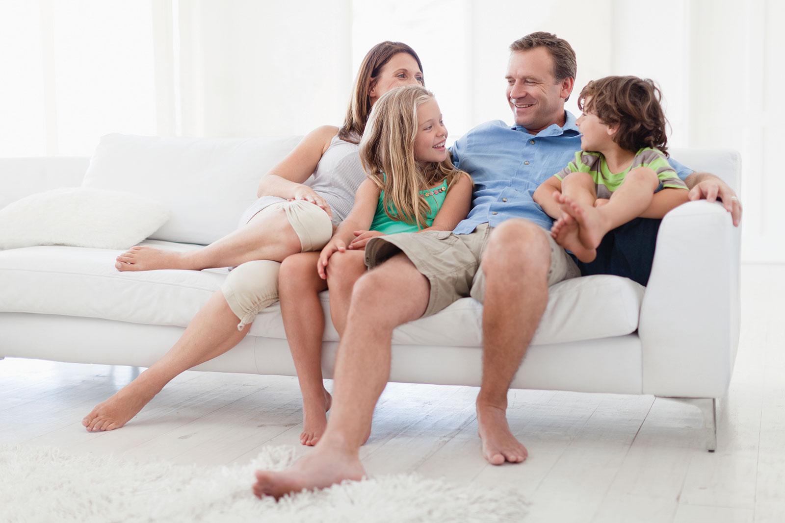 familj-i-soffa